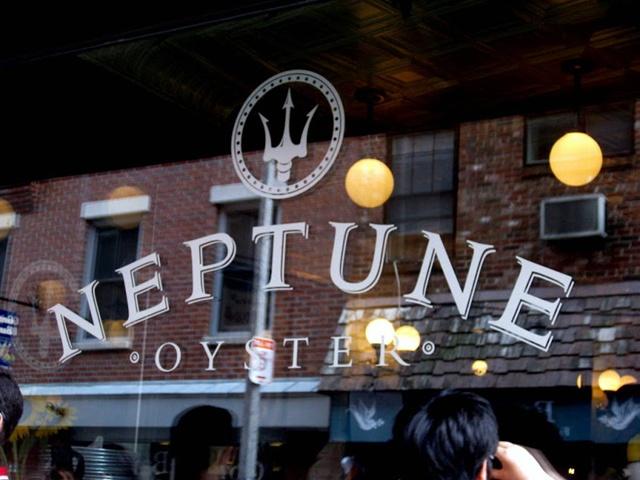 Neptune Oyster in Boston MA